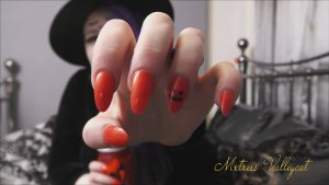 pumkin nails 2 300x169 - 31 clips for 31 days of Hallowe'en