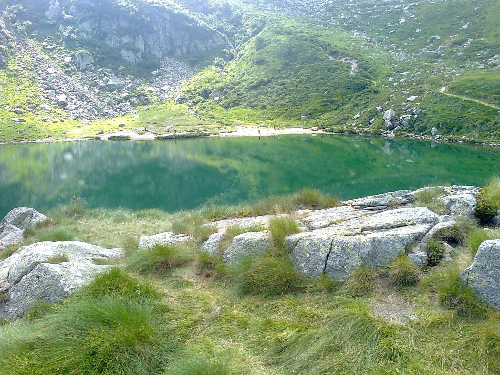 a lake in the mountains 11 1440x1080 - A lake in the mountains