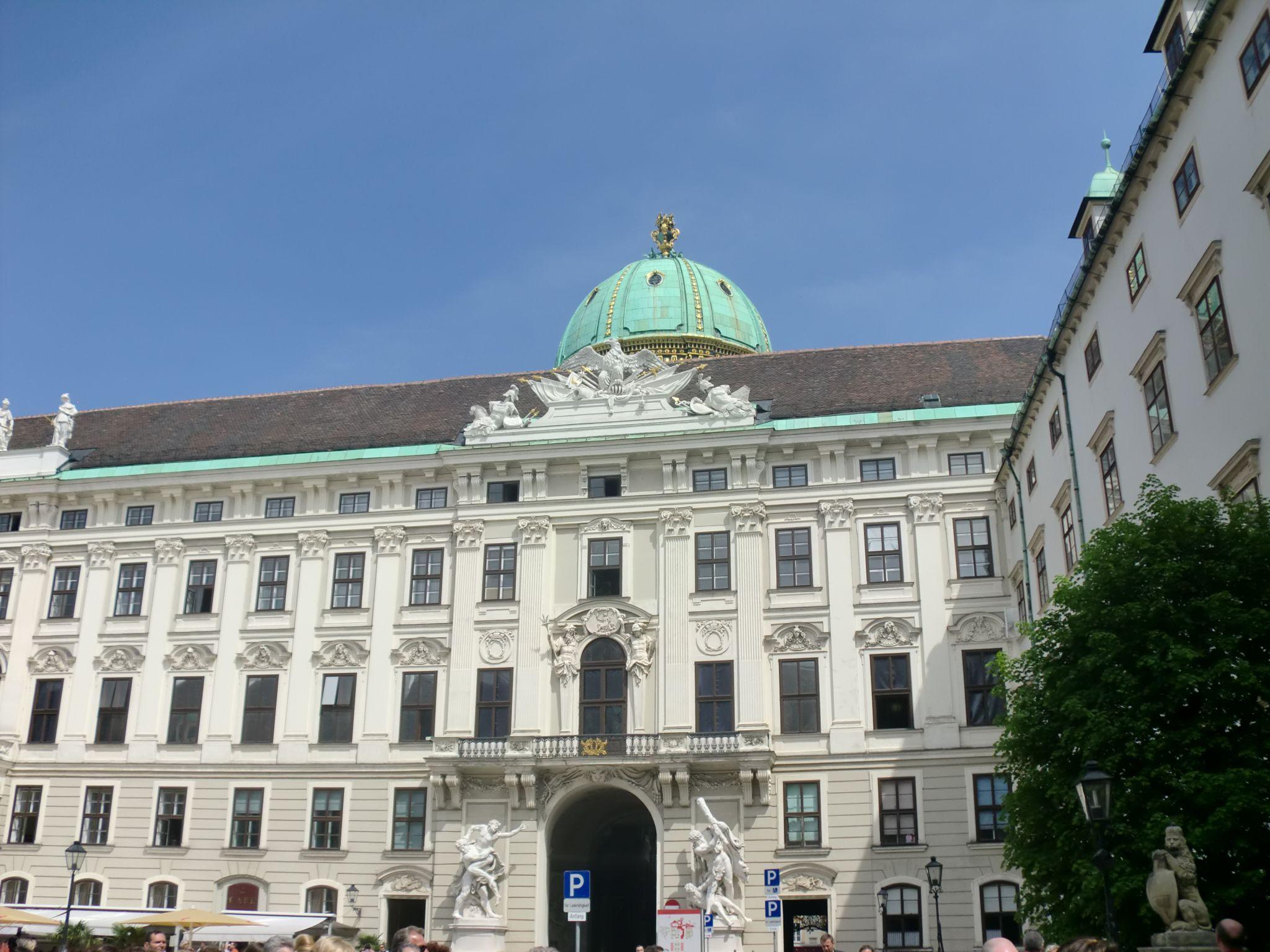 Vienna Hofburg 28 1440x1080 - Vienna: elegant beauty