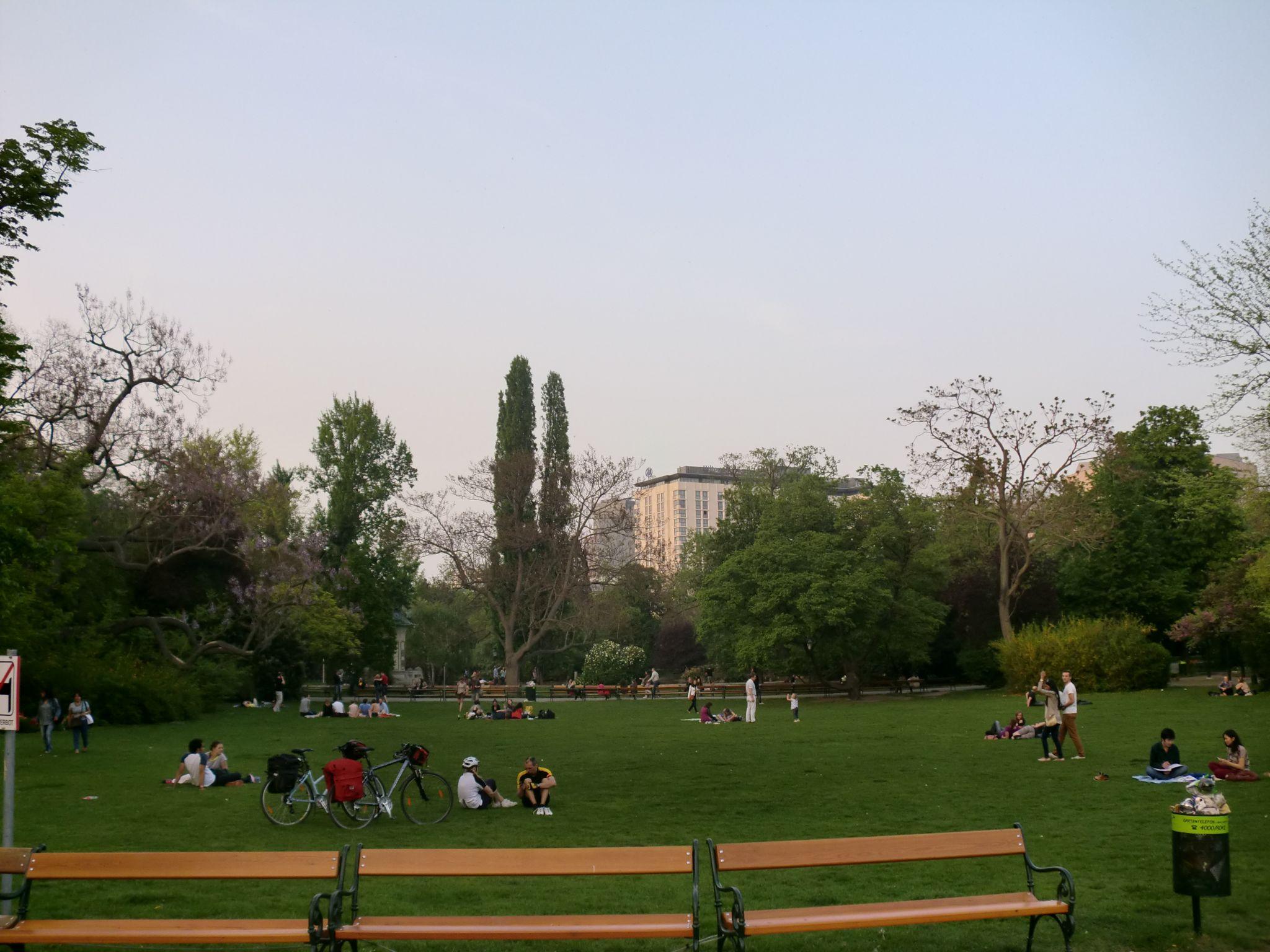 Vienna park 13 1440x1080 - Vienna: elegant beauty