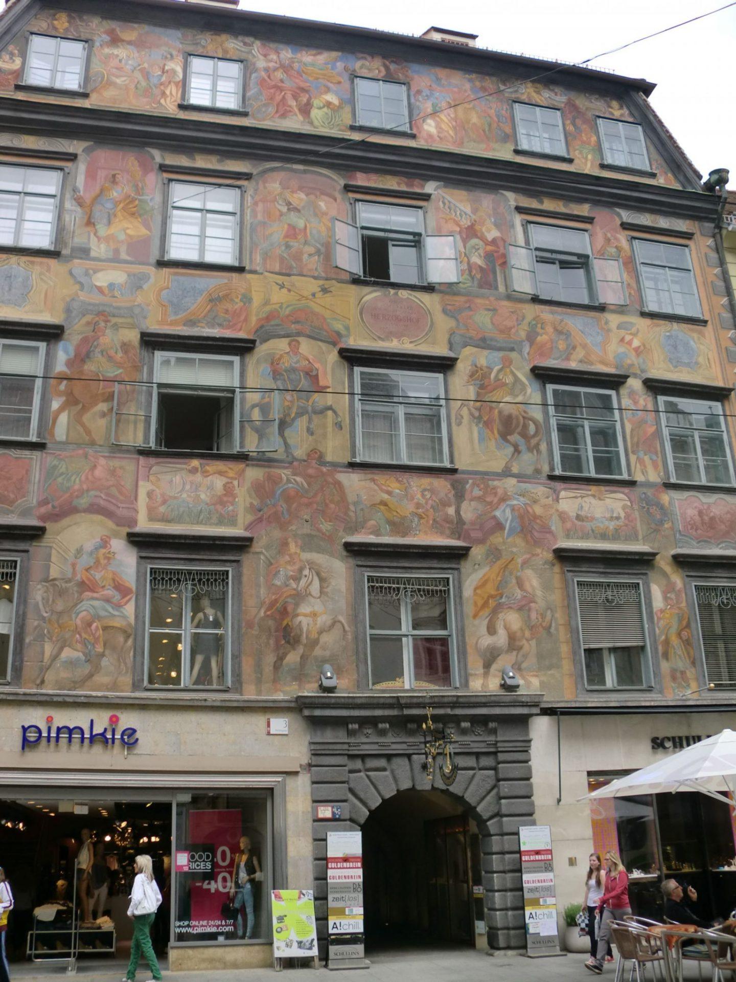 Graz square 6 - Graz: tradition and modernity