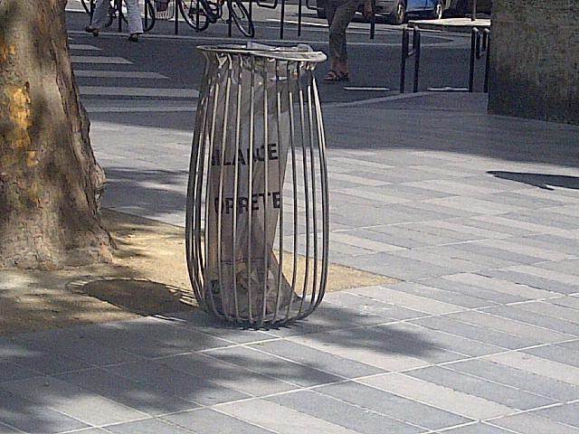 nouvelle-corbeille-design-paris