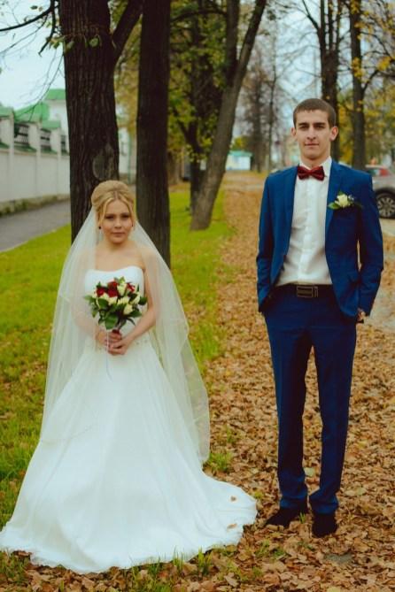 Свадебная фотосессия в историческом сквере Екатеринбурга