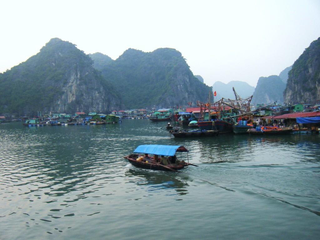 Villages-Baie-dAlong-vietnam