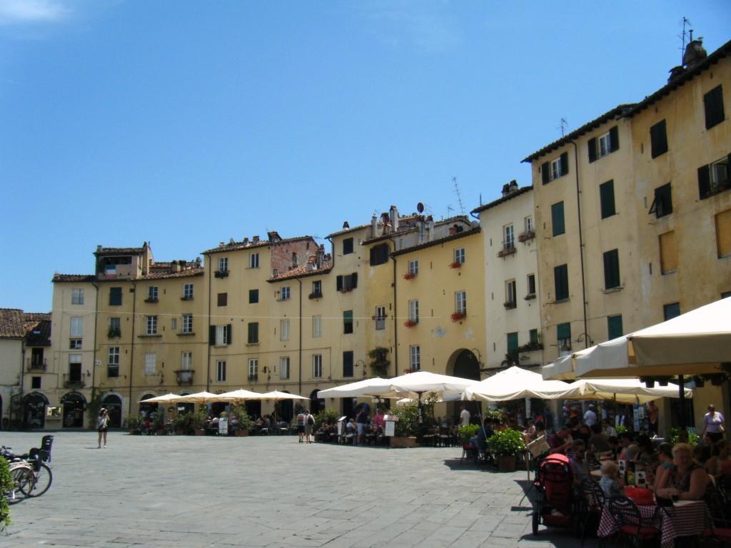 Place Lucques en Toscane