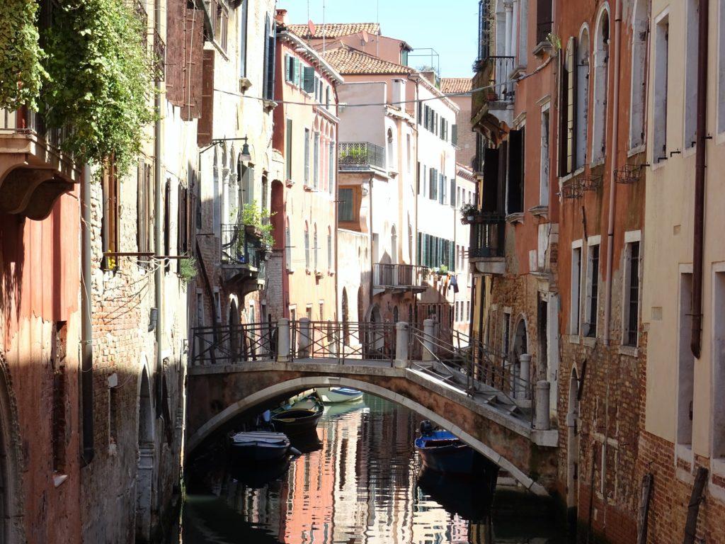 Ruelles à Venise en Italie