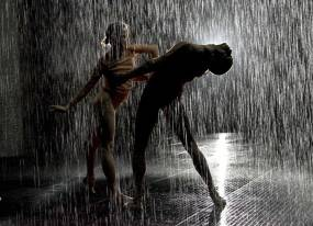 rd-rain-room-bending-duet_1000