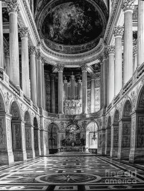 black-white-1700s-interior-architecture-versailles-chuck-kuhn