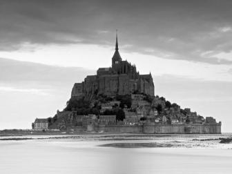 mont-st-michel-manche-normandy-france_u-l-pxmwz60