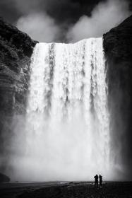 waterfall-skogafoss-iceland-black-and-white-matthias-hauser