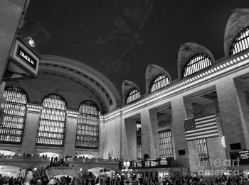 grand-central-station-in-black-and-white-steve-schaum