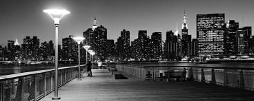 nyc-skyline-from-gantry-state-park-at-night-black-and-white-david-giral