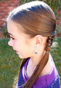 Прически для девочек на длинные волосы19