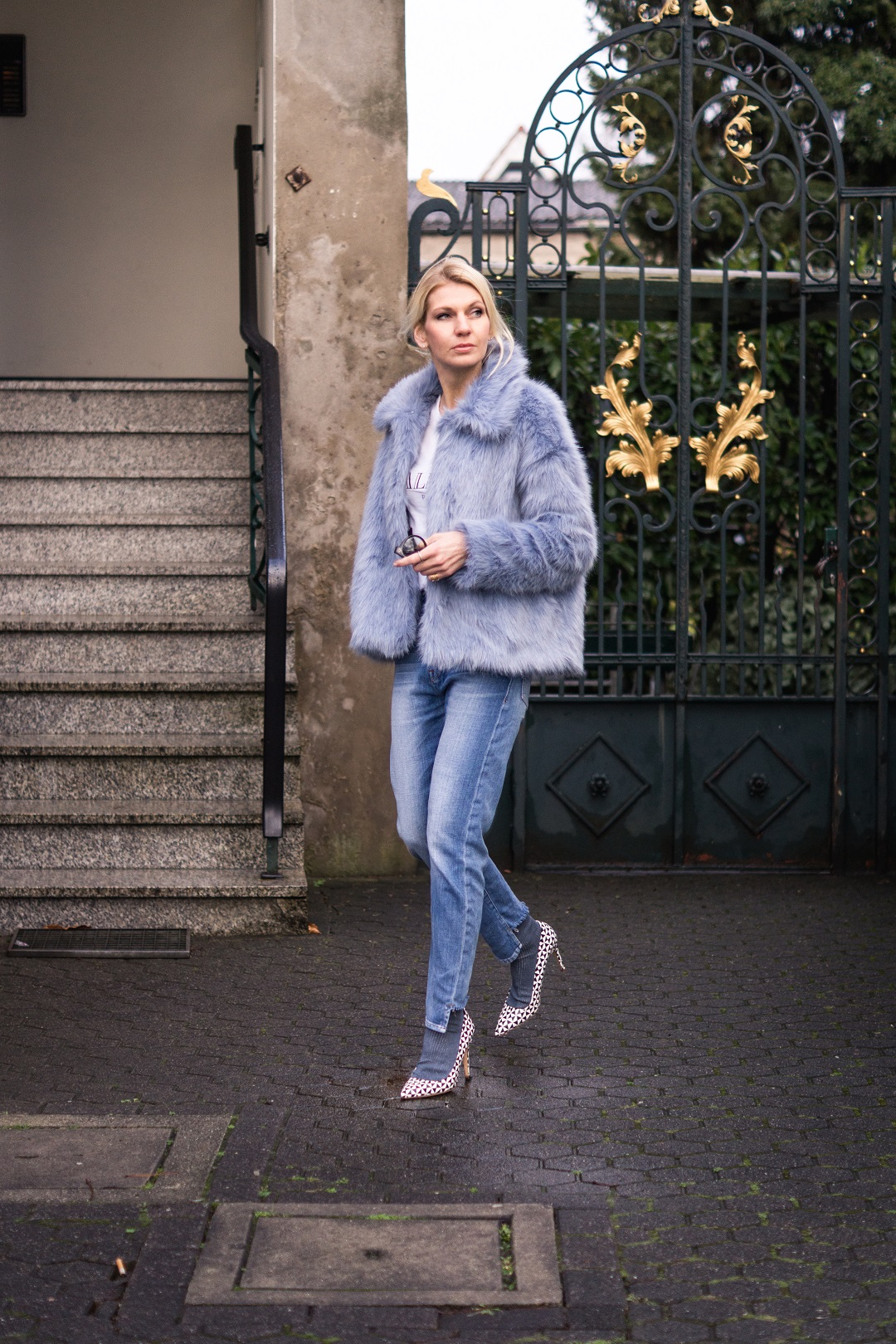 warm and cozy until christmas with a faux-fur jacket