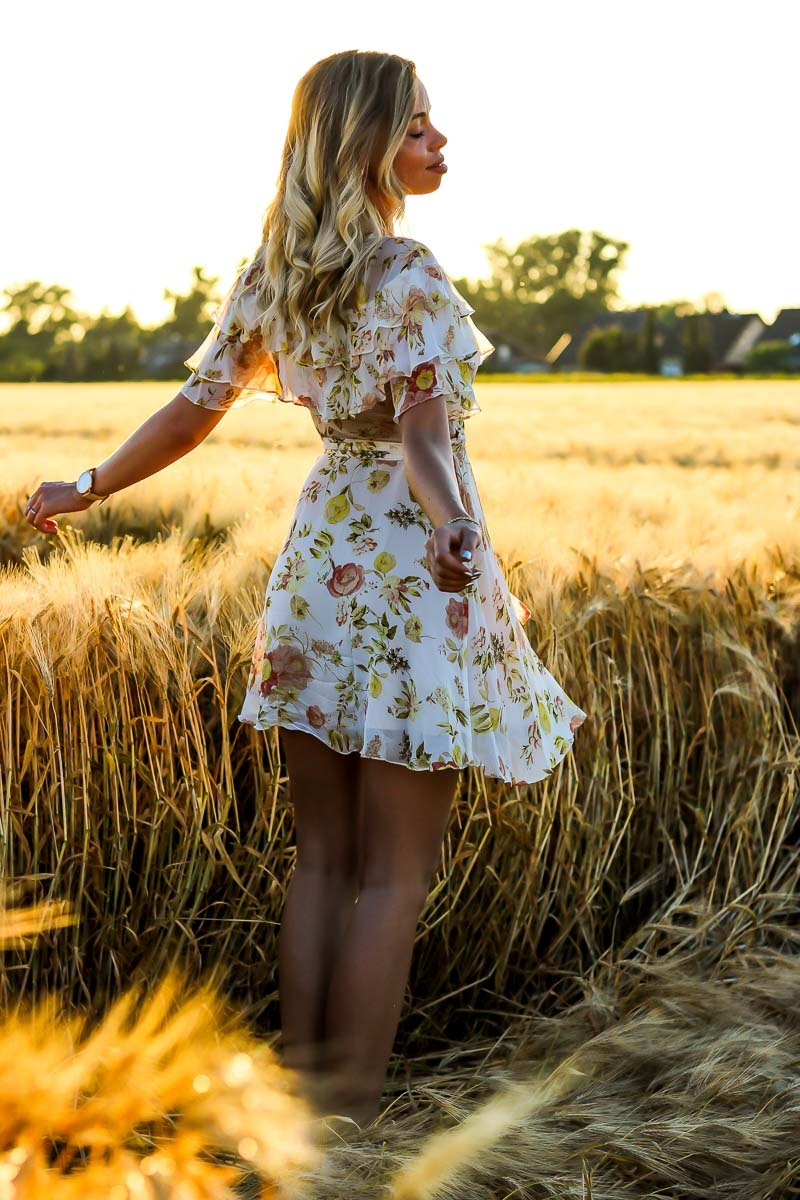 Outfit, Zara, Sommerkleid, Dress, Ruffles, Weizenfeld, Golden Hour