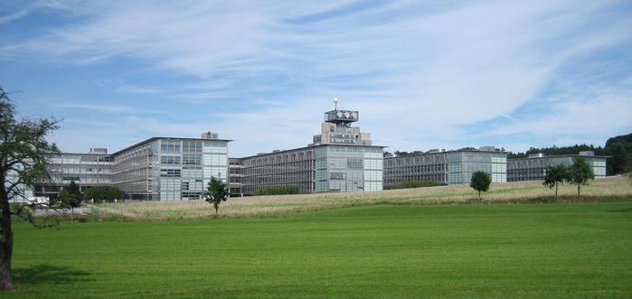 Один из корпусов Высшей технической школы Цюриха