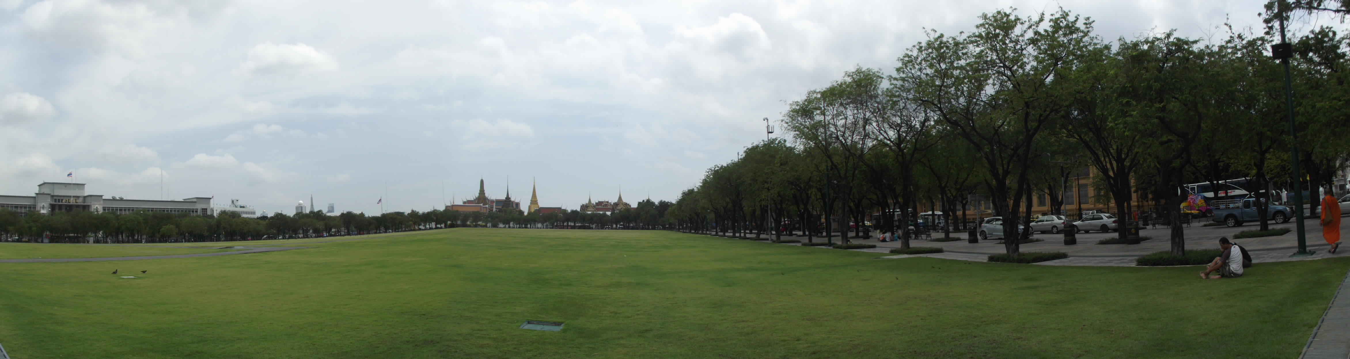 bangkok temple skyline