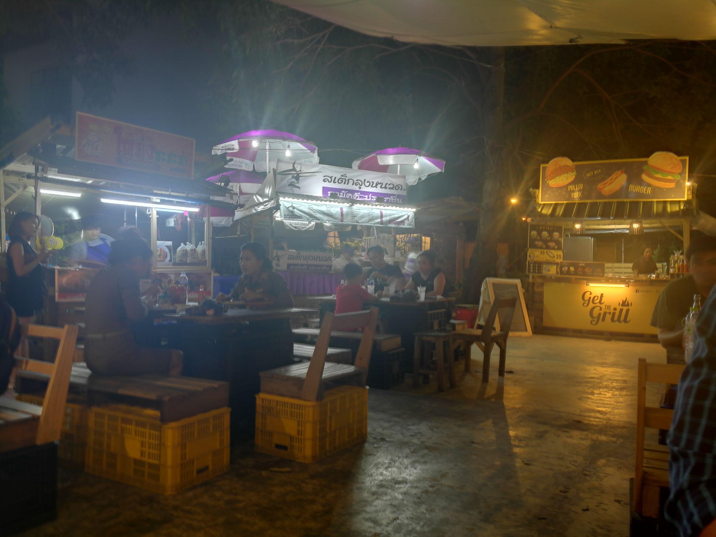 camping ground saphan kwai bangkok food area