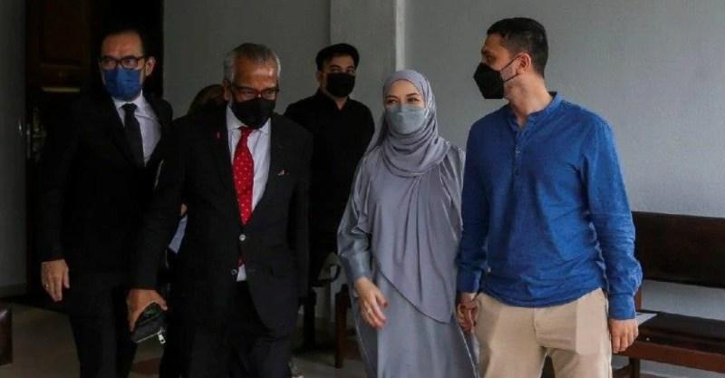 Neelofa, suami hadir ke Mahkamah