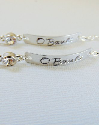 Customized bridesmaid bracelet, Personalized bar bracelet, engraved cuff bracelet with clear crystal, Flower Girl Gift, wedding jewelry
