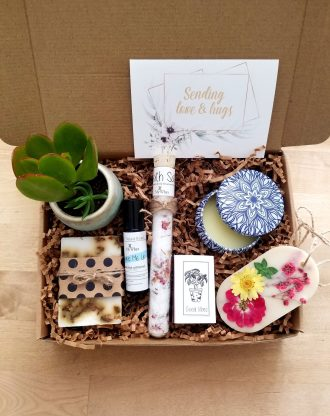 Sending love & hugs gift basket, Thinking of you box, care package, spa gift box, surgery gift, send a gift, natual pamper gift for her.