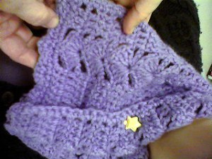 PHOTO: Lilac crocheted neck warmer.