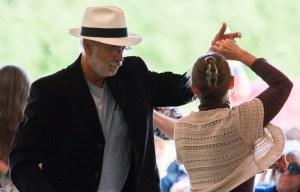 PHOTO: Dancing couple.