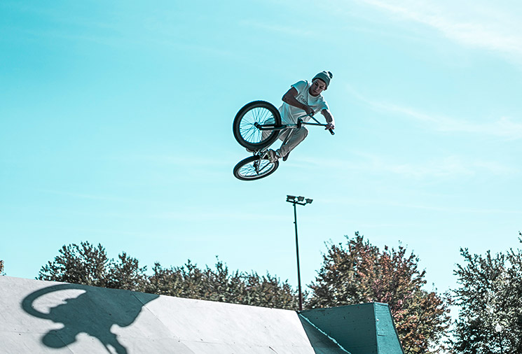 Read more about the article Tips To Take Videos Doing Extreme Sports