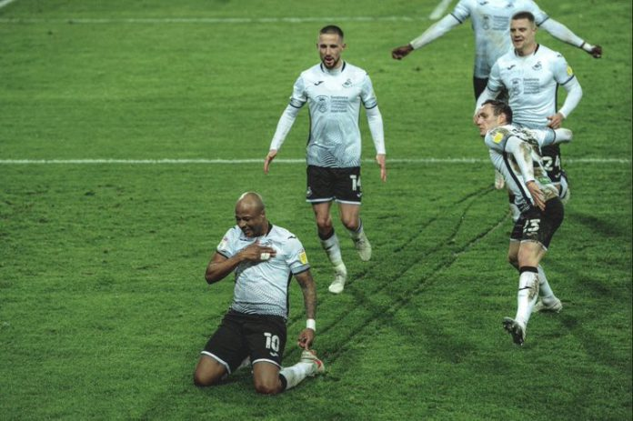 Andre Ayew scores to keep Swansea City Premier League dream alive