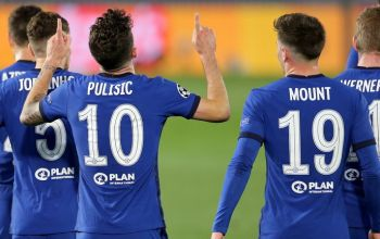 Christian Pulisic and Chelsea team mates celebrate Pulisic's goal against Real Madrid in the UCL semi-final first leg