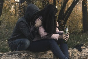 signs of alcohol abuse, symptoms of alcoholism, am i an alcohol, what is alcoholism, what is alcohol use disorder