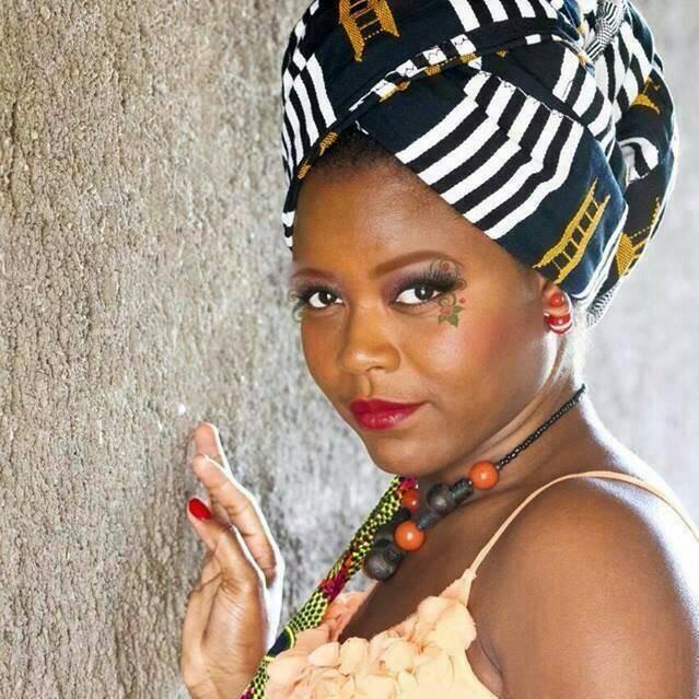 Diaspora/ Christelle Johnson ; initiée à la musique par sa maman, elle reste fidèle à ses origines !