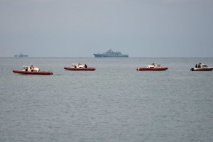 A search-and-recovery operation was underway near Sochi, Russia, on Monday after the crash of a plane a day earlier in the Black Sea. A large part of the fuselage was found. Credit Yevgeny Reutov/European Pressphoto Agency
