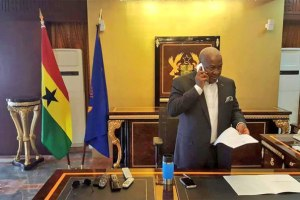 Ahead of Nana Akufo-Addo's swearing-in on Saturday, President Mahama has cleared his office of personal belongings