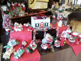Santa dishes filled with chocolates