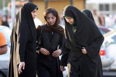 Women-to-follow-Islamic-dress-code