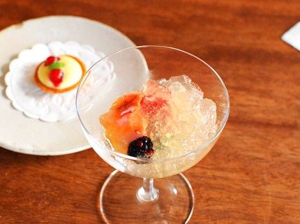 The Clove Club: Champagne Jelly with Berries