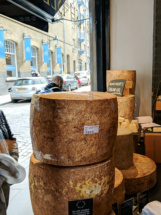 Neal's Yard Dairy, Covent Garden: Lincolnshire Poacher