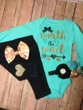 Newborn Clothes 1