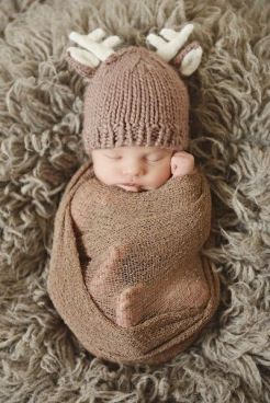 Newborn Christmas Pictures 13
