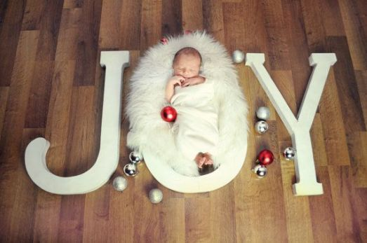 Newborn Christmas Pictures 22
