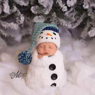 Newborn Christmas Pictures 3