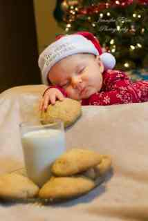 Newborn Christmas Pictures 31