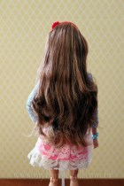 """O cabelo """"original"""", logo após tê-la retirado da caixa   Crédito da imagem: Samira   www.mybarbiedoll.com.br"""