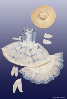 O traje original reproduzido nas duas versões comemorativas   Crédito da imagem: divulgação www.barbiecollector.com/Mattel