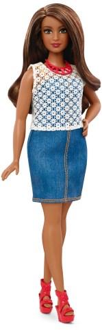 Curvy Dolled Up in Denim   Crédito da imagem: divulgação Mattel   www.barbie.com