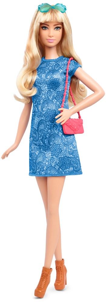 Tall Lacey Blue   Crédito da imagem: divulgação Mattel   www.barbie.com