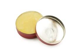 How to make coconut oil beard balm