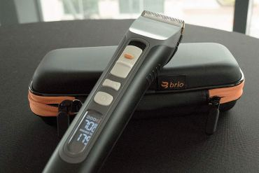 beard trimmer on female pubic hair