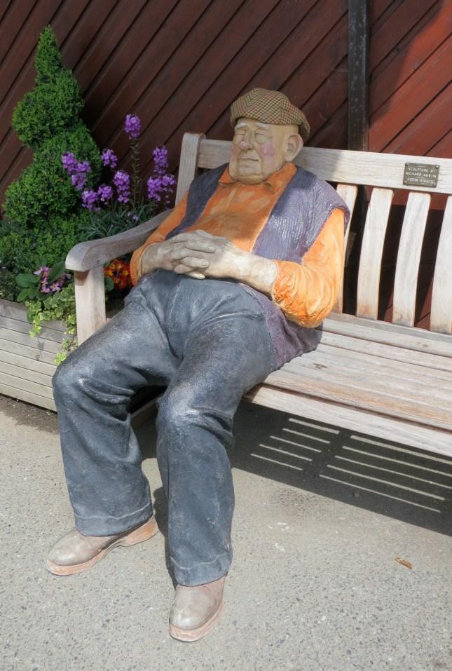 Enjoying the sunshine - sculpture by Richard Austin